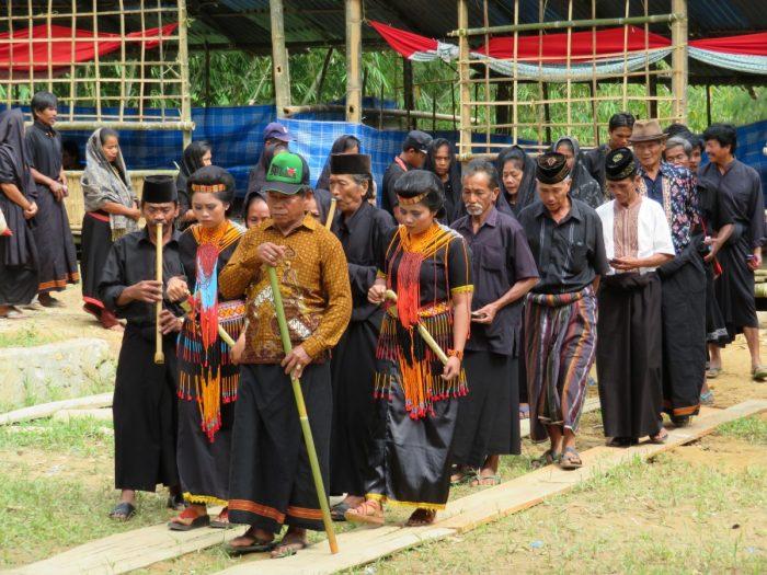 Rouwstoet begrafenis Toraja