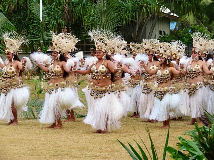 Vrouwelijke dansers heiva Rurutu