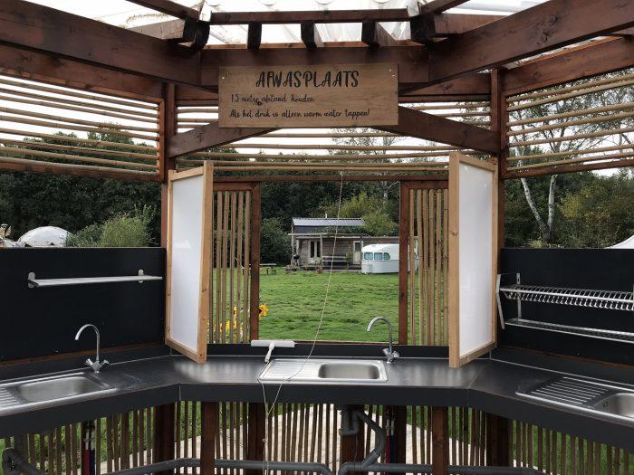 afwassen camping Buitenlandland