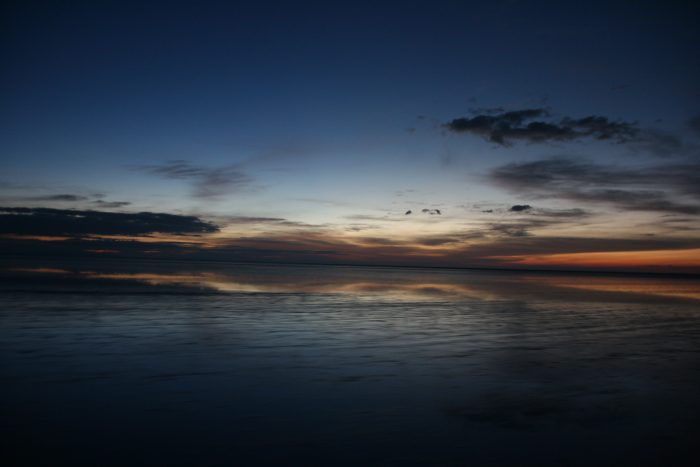 onsopkozonsopkomst op zoutvlakte bolivia