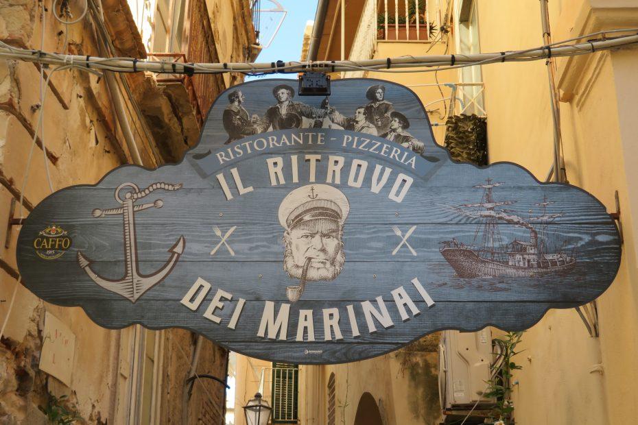 Uithangbord restaurant Italië